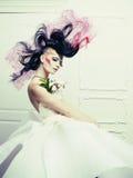 Signora con capelli all'avanguardia Fotografia Stock Libera da Diritti