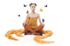 Signora con la farfalla fotografia stock libera da diritti