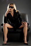 Signora con la sigaretta Fotografie Stock