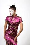 Signora del geisha nel cheongsam   Immagine Stock