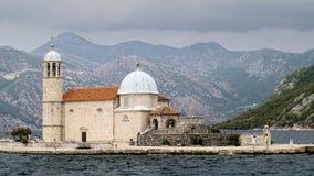 Signora della chiesa delle rocce nel Montenegro Immagine Stock Libera da Diritti