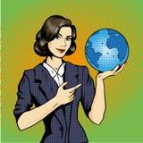 Signora di affari con Pop art dell'illustrazione di vettore del pianeta Terra a disposizione comico Fotografia Stock Libera da Diritti