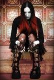 Signora gotica sulle scale Fotografia Stock Libera da Diritti