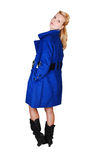 Signora graziosa in cappotto blu. Immagini Stock