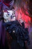 Signora nel nero. Fotografia Stock