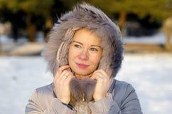 Signora nell'inverno della pelliccia Fotografia Stock Libera da Diritti