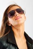 Signora in occhiali da sole Immagini Stock
