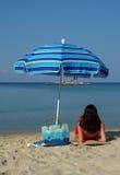 Signora sulla spiaggia Fotografia Stock Libera da Diritti