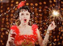 Signora in vestito rosso al carnevale Fotografie Stock Libere da Diritti