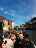 SIGNORE, BELGIO 03 25 Vista panoramica 2017 del canale famoso di Graslei nel centro storico con il fiume di Leie immagine stock libera da diritti