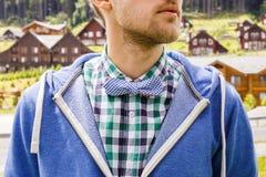 Signore casuale in cravatta a farfalla Immagine Stock