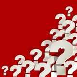 Signos de interrogación blancos en la esquina en un fondo rojo libre illustration