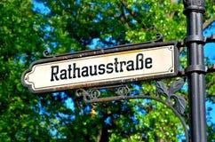 Signpost in Berlin Lizenzfreie Stockfotos