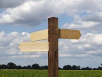 Signpost in bianco. Immagini Stock