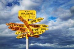 Signpost nel punto di Stirling, bluff, Nuova Zelanda fotografie stock libere da diritti