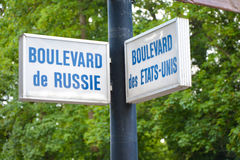 Signpost. Russia and USA together at the signpost royalty free illustration
