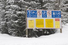 Signpost at a ski resort Royalty Free Stock Photography