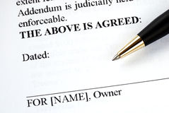 Signs the legal document Royalty Free Stock Photos