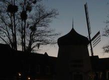 Sihouette del molino de viento Fotos de archivo libres de regalías