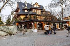 Siklawa-Gasthaus im regionalen Gebäude bei Krupowki Stockfotografie