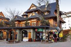 Siklawa-Gasthaus im regionalen Gebäude in Zakopane Lizenzfreie Stockfotos