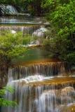 Siklawa Huai Mae Kamin w Kanchanaburi, Tajlandia zdjęcie stock