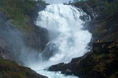 Siklawa Kjosfossen, Flamsbana, Norwegia Obrazy Royalty Free
