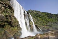 Krcic siklawa blisko grodzkiego Knin, Chorwacja Zdjęcie Royalty Free