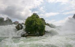 Siklawa na rzecznym Rhine zdjęcie royalty free