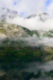 Siklawa Norweskim fjord Zdjęcie Royalty Free