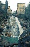 Siklawa przy Złym Gastein w Alps górach zdjęcia royalty free