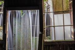 Siklawa w fabrycznym szczególe fotografia royalty free