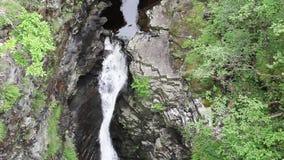 Siklawa w górach zdjęcie wideo