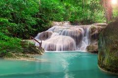 Siklawa w głębokiej dżungli przy Erawan parkiem narodowym Obrazy Stock
