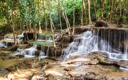 Siklawa w Głębokim lesie, Kanchanaburi, Tajlandia Zdjęcie Royalty Free