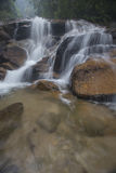 Siklawa w Malezja tropikalnym lesie deszczowym Obrazy Royalty Free