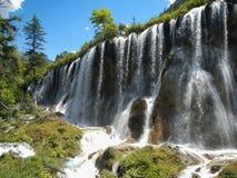 Siklawa w parku narodowym Jiuzhaigou obraz royalty free
