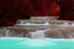 siklawa w tropikalny las deszczowy kaskadzie w las wody spływaniu w tro Fotografia Royalty Free