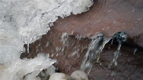 Siklawa w zimy zimnie z lodem i śniegiem zdjęcie wideo