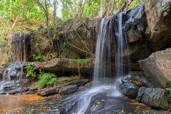 Siklawy natura w lesie tropikalnym fotografia stock
