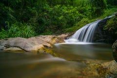 Siklawy natury widok niewidziany w Tajlandia, imię jest monthatran siklawą Chiangmai Tajlandia Obraz Stock