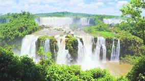 Siklawy od Cataratas robią Iguaçu, Brasil zbiory wideo