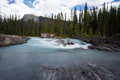 Siklawy tęsk ujawnienie, Skaliste góry w Kanada Fotografia Royalty Free