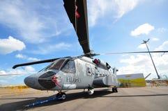 Sikorsky S-92 legat av hjältedemonstrationhelikoptern på skärm på Singapore Airshow 2012 Royaltyfri Fotografi