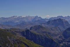 Sikt över berg i Berchtesgadens fjällängar Royaltyfri Foto