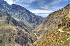 Sikt över den Colca kanjonen Arkivbild