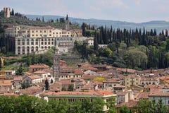 Sikt över den gammala townen av Verona Arkivfoton