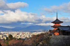 Sikt över den Kiyomizu-dera pagoden arkivbild