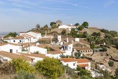 Sikt över den Monsaraz staden, område för Ã-‰ vora, Portugal Royaltyfri Fotografi