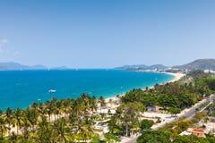 Sikt över den Nha Trang staden, Vietnam Royaltyfri Foto
